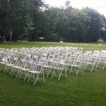 Krzesło białe drewniane